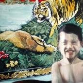 K. B. dans la chambre de ses parents, 2009, huile sur toile, 110 x 150 cm